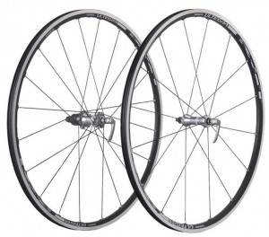 shimano ultegra 6700 wheelset 300x264 Shimano Ultegra WH 6700 Wheelset Review