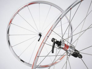 WH RS20 S 300x225 Shimano WH RS20 S Wheelset Review