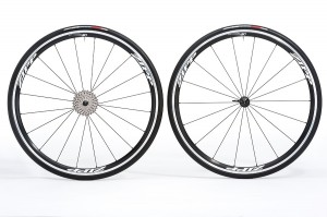 Zipp Road 30 Clincher wheelset 300x199 Zipp 30 Clincher Wheelset